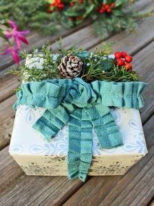 original_Camille-Smith-fabric-trim-as-ribbon-gray-table-vert.jpg.rend.hgtvcom.1280.1707