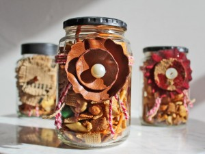 original_Camille-Smith-snack-mix-leather-flower-beauty.jpg.rend.hgtvcom.1280.960