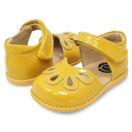 Pantofi fete Petal din piele naturală galbenă